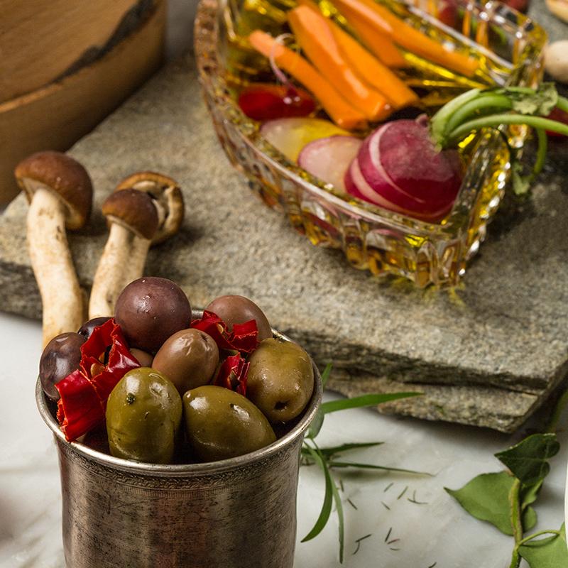 Olive e Verdure con olio biologico delle colline lucchesi
