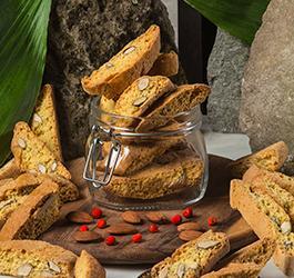 Cantucci: ricetta originale toscana dei biscotti più amati